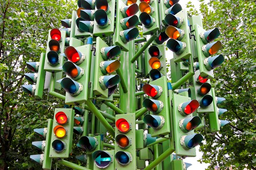 Car Wrecks at Flashing Red Light Intersections: Liability Explained